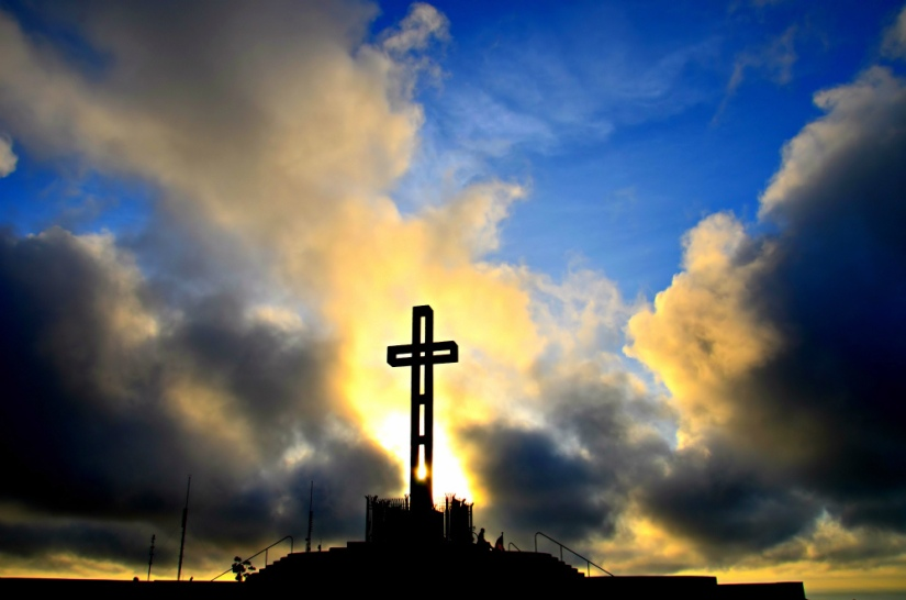 -Easter+Cross+~+Alleluia+~+-Praise+the+Lord--+by+Sharon+-+Flickr+-+CC+BY